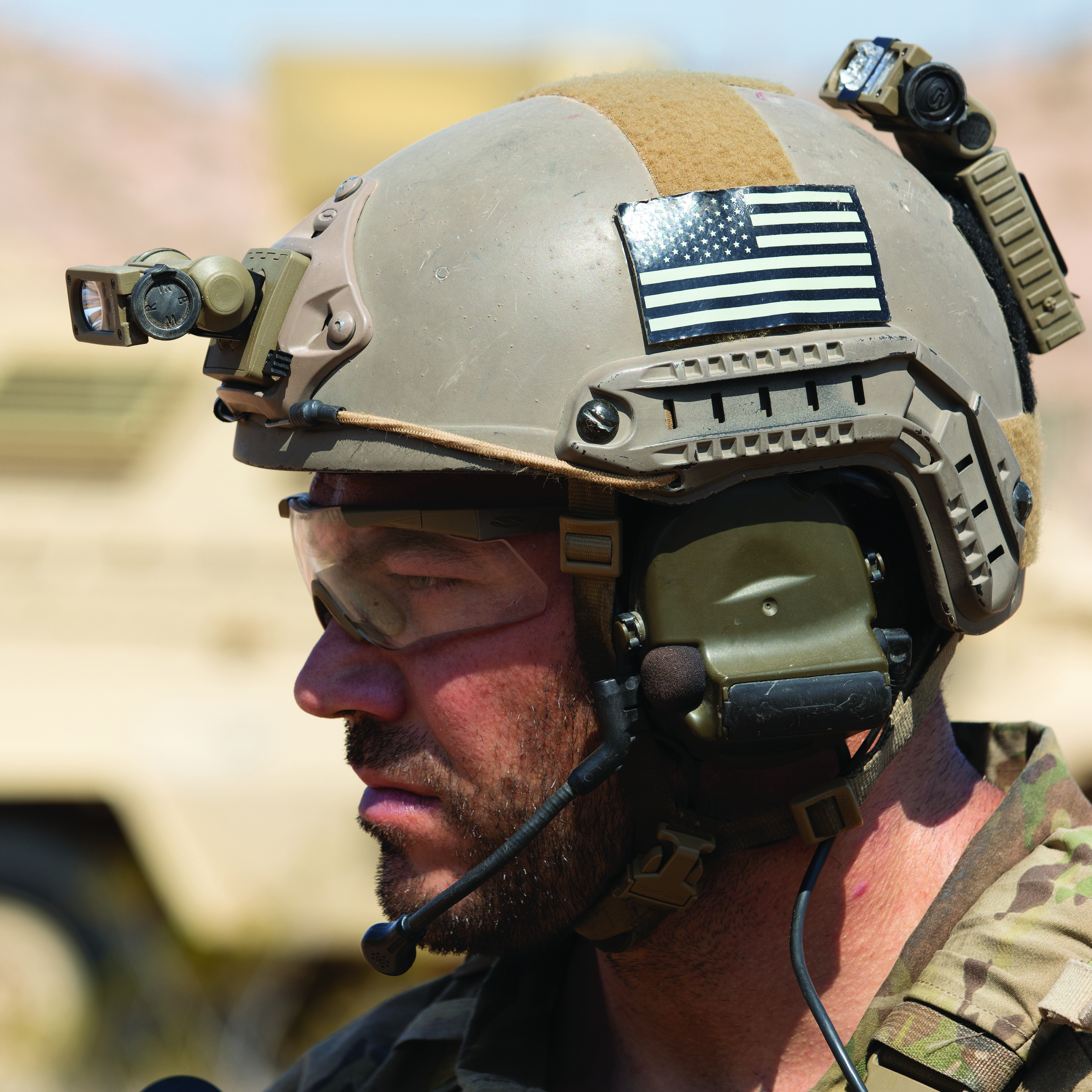Red Blue Coyote IR LEDs Sidewinder Compact w//Helmet Mt.